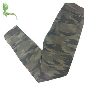 Lucky Brand camouflage jeans size 4